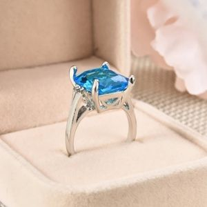 Jewelry - 🎀Gorgeous Natural Blue Crystal Gemstone Ring
